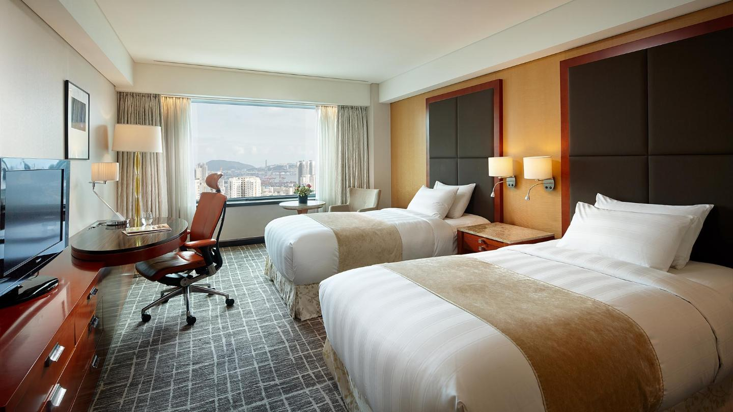 Lotte Hotel Busan-Rooms-Club Floor-Deluxe Room