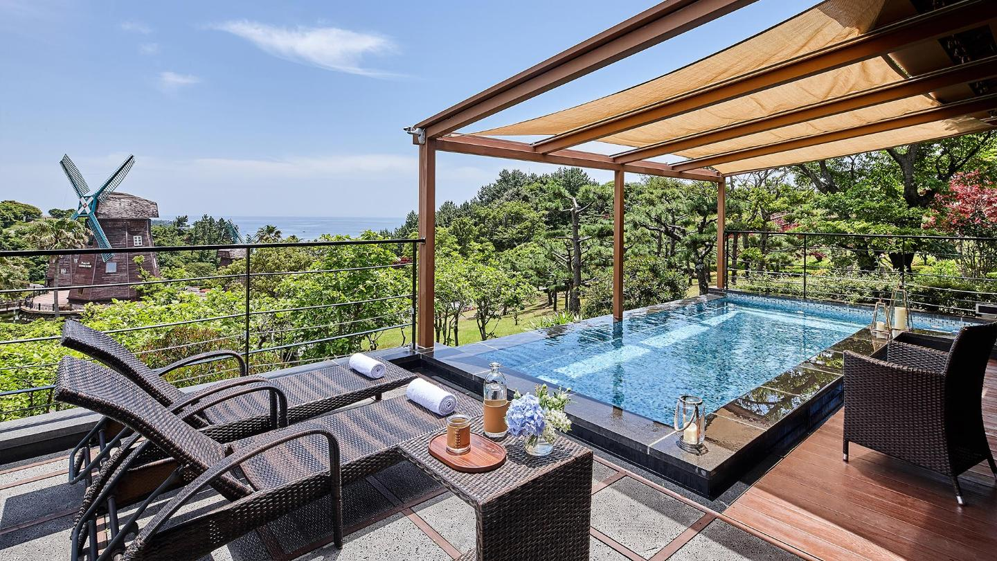 Lotte Hotel Jeju-Rooms-Suite-Premier Pool Villa Suite Room (Garden View)