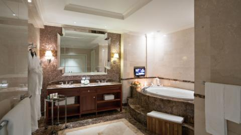 Lotte Hotel Moscow-Rooms-Standard-Charlotte Suite Room