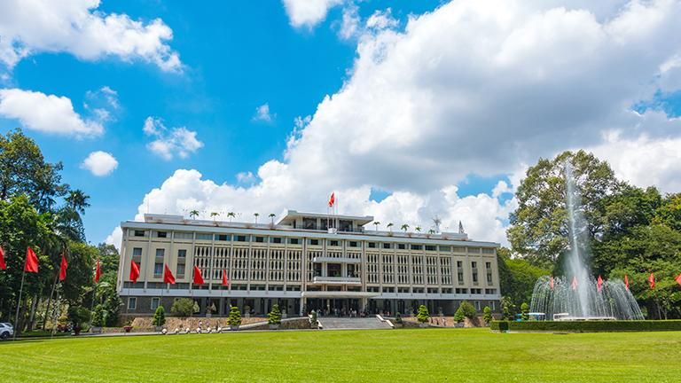 Lotte Legend Hotel Saigon - Ho Chi Minh Tourist Spot - Unification Palace